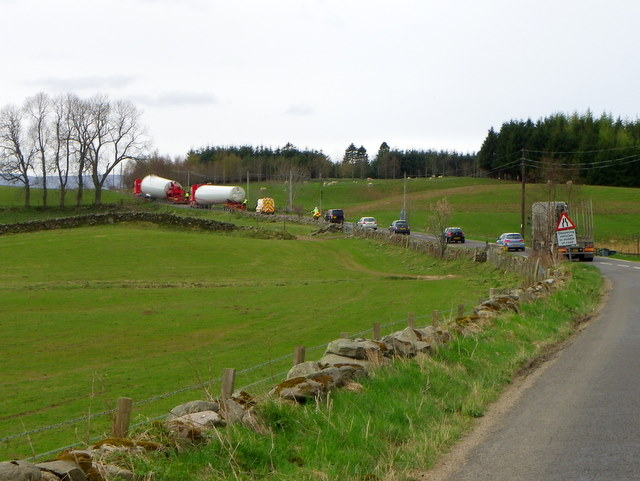 Large loads near Trochry