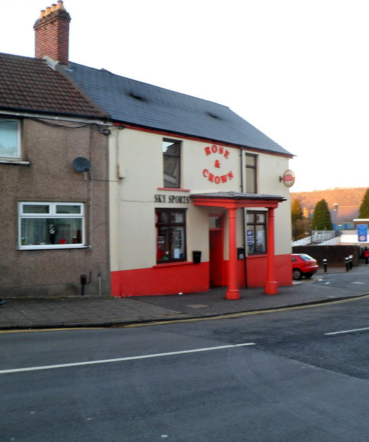Front view of the Rose & Crown, Pontypridd