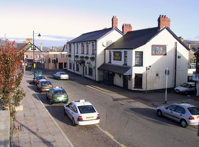 The Railway Pub - Top of Caerphilly Town in Nov 2001
