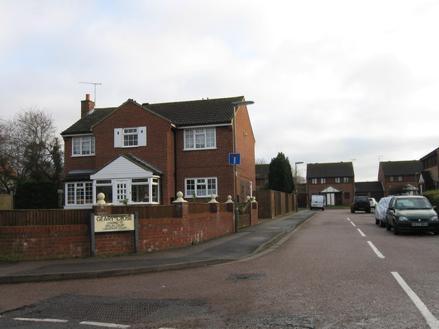 Geary Close, Smallfield