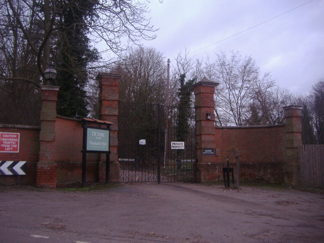 Entrance to Theobalds Park