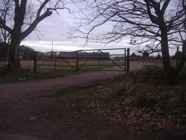 Farm entrance on Oldpark Ride