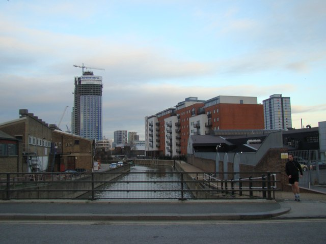 Looking back along the Lea Navigation towards Stratford from Marshgate Lane