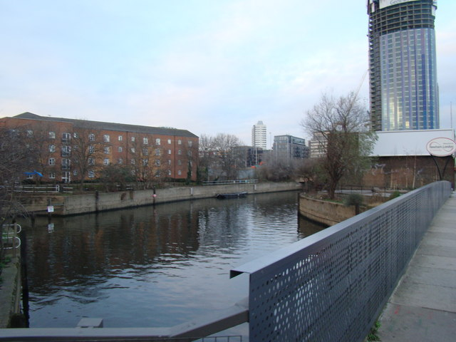 View of the Lea Navigation from Stratford High Street
