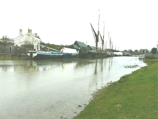 Looking south-southwest along Faversham Creek