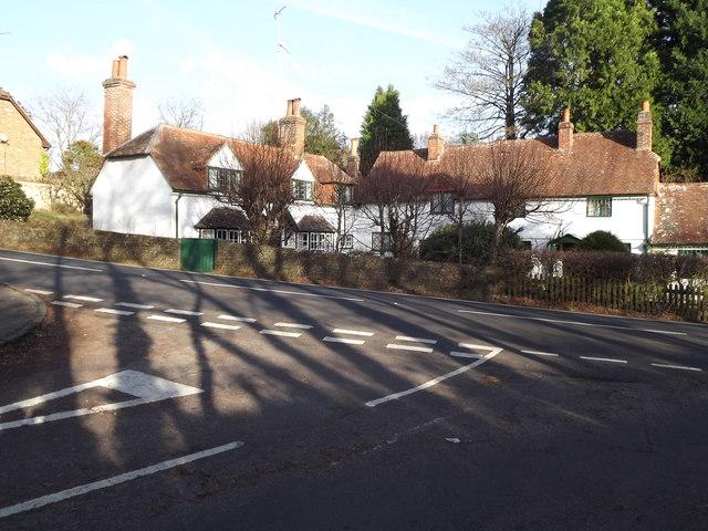 Millbridge, Cottages