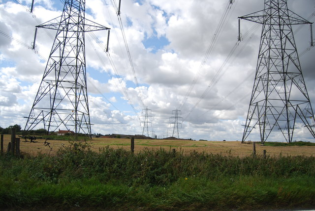 Pylons by Henley Rd