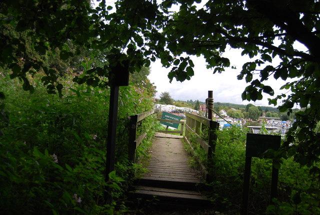 Footbridge, Medway Valley Walk (MVW)