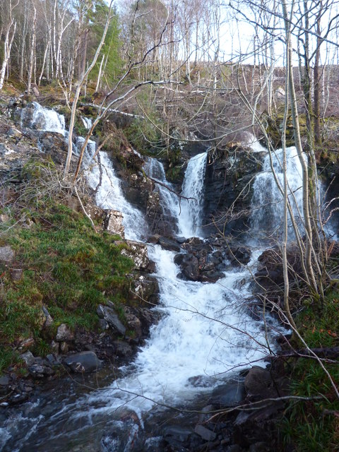 Waterfall by the road at Lael