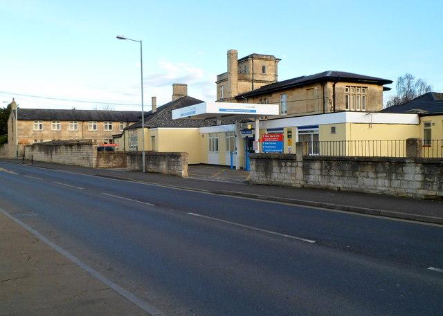 Main entrance to Trowbridge Community Hospital