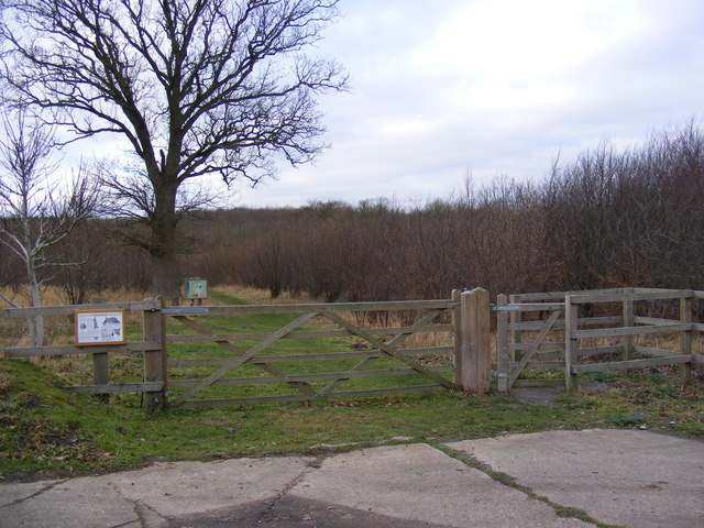 The entrance to Brakey Wood