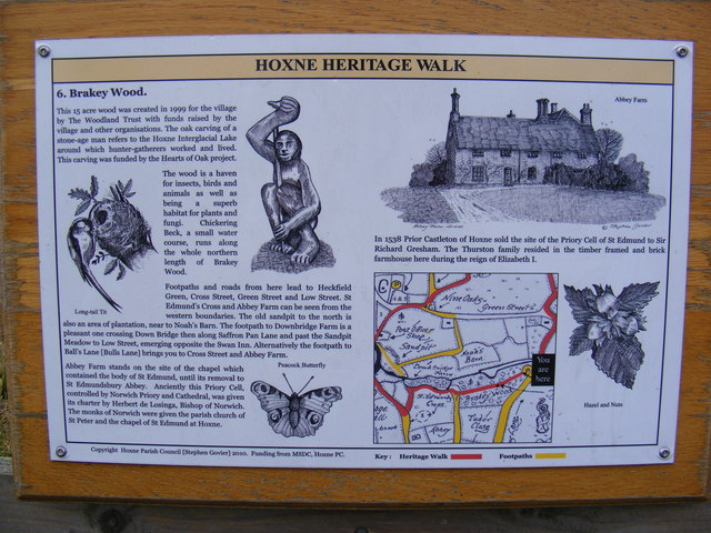 Hoxne Heritage Walk sign at the entrance to Brakey Wood