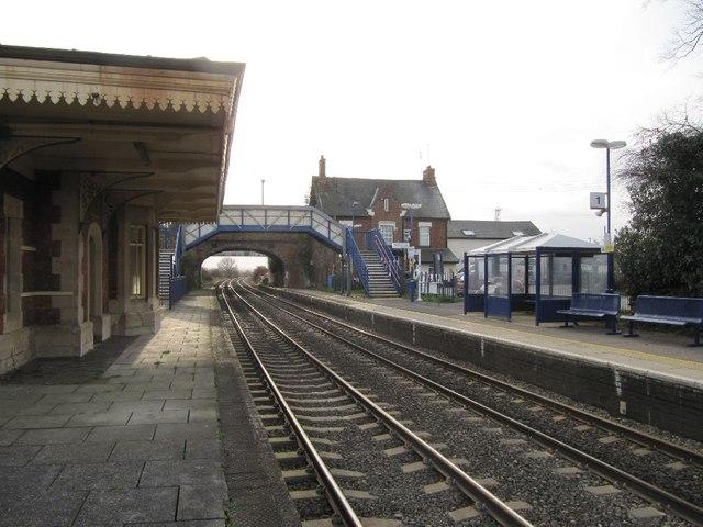 Culham Station platform