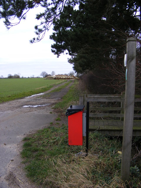 Footpath to Pixey Green