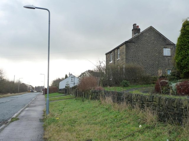 Old stone house near Sledbrook Crescent, Crow Edge