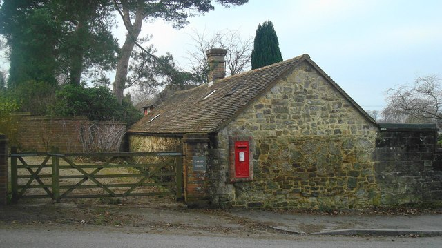Post box in Chapel Lane