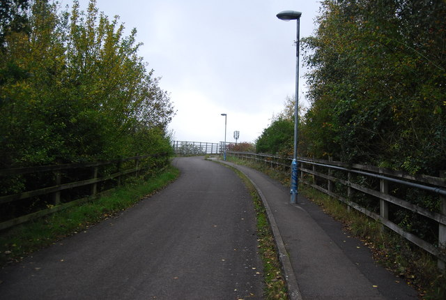 Path to Farnborough North