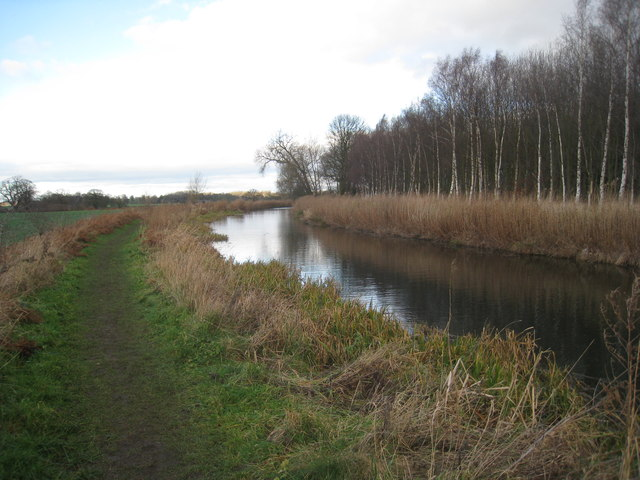 The Chesterfield Canal near Royston Manor