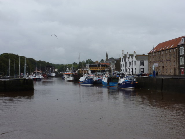 Eyemouth: looking up the harbour