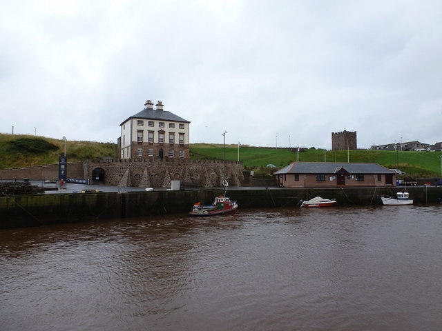 Eyemouth: Gunsgreen House and the lifeboat station