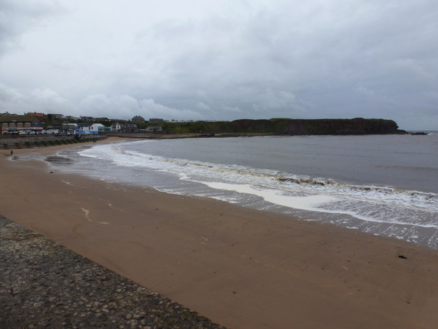 Eyemouth: view along the beach