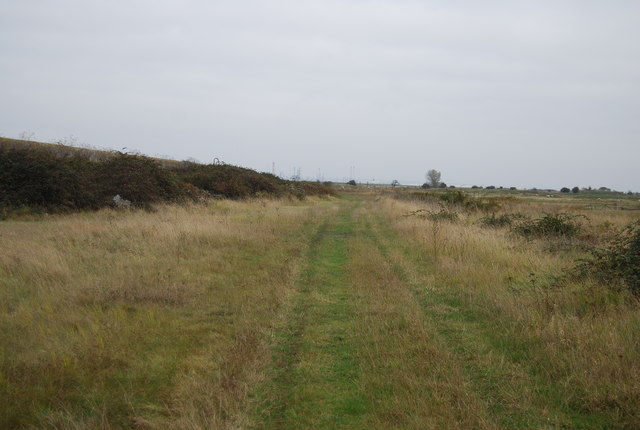 Footpath south of Lower Hope Point