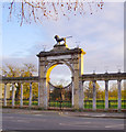 TQ1677 : Entrance arch &amp; Northumberland Lion, Syon Park by Stefan Czapski