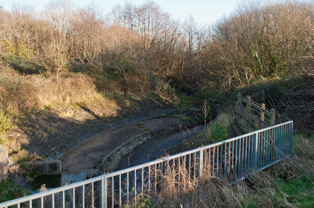 The view upstream from where Coney Gut passes under the A39, Eastern Avenue