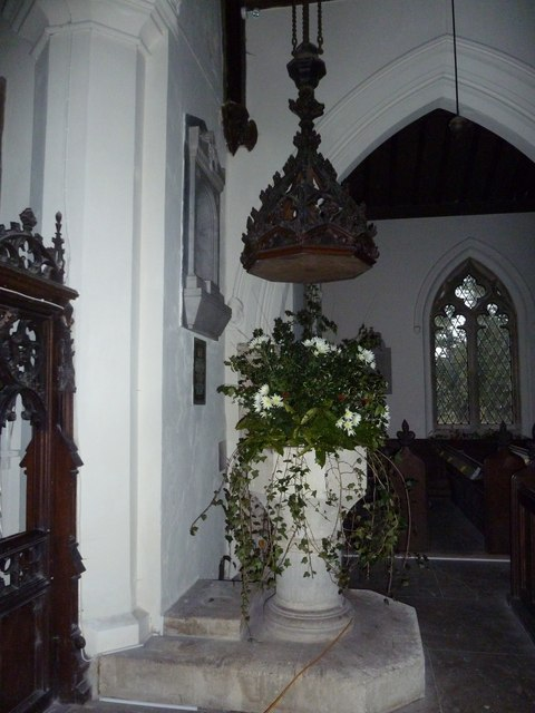 St James's, East Tisted- Christmas displays (b)