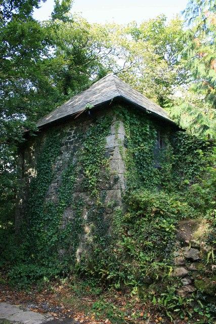 Mortuary building, St Petroc's Churchyard