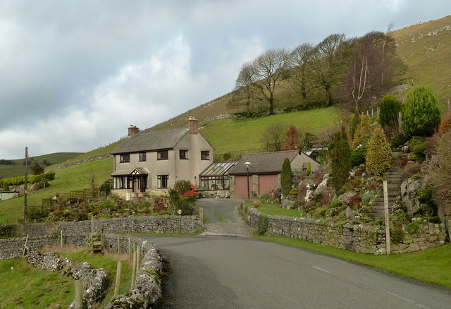 Lane, farm and hillside north of Earl Sterndale