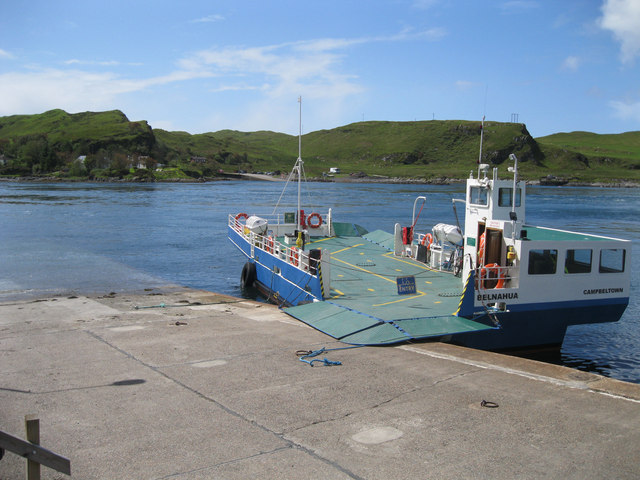 Lunch break at the Cuan Ferry