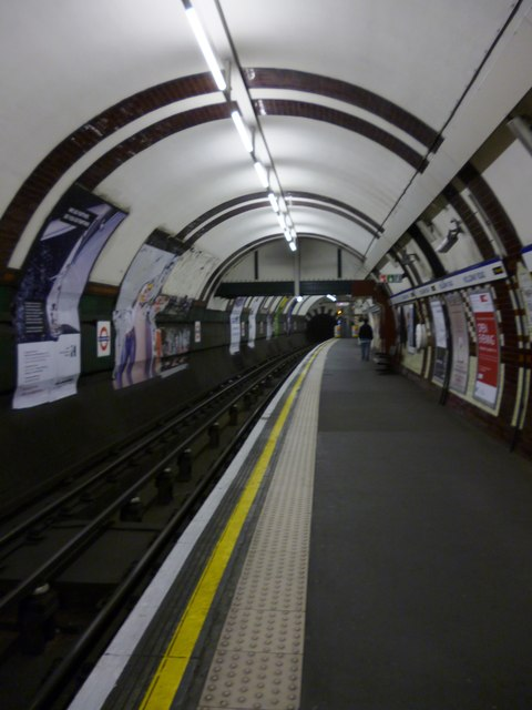 Southbound platform, Holloway Road Underground Station
