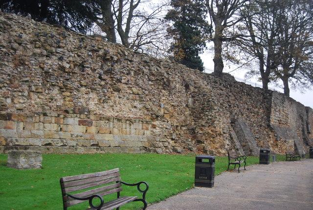 Walls, Tonbridge Castle