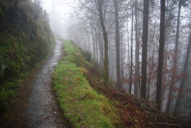 The ridgetop walk at Bwlch Nant yr Arian