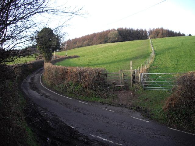 Stile and footpath, Sirhowy Valley Walk, Rhiwderin