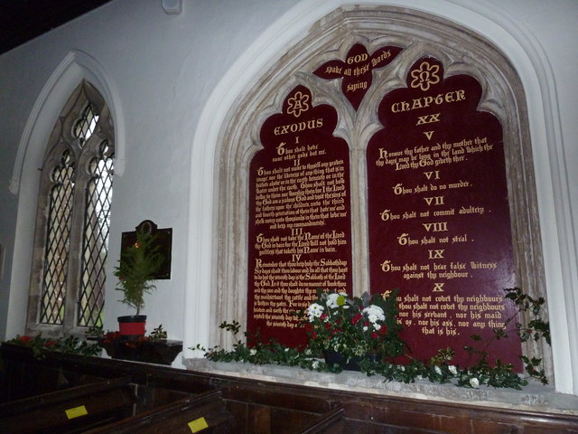 St James's, East Tisted- Christmas displays (f)