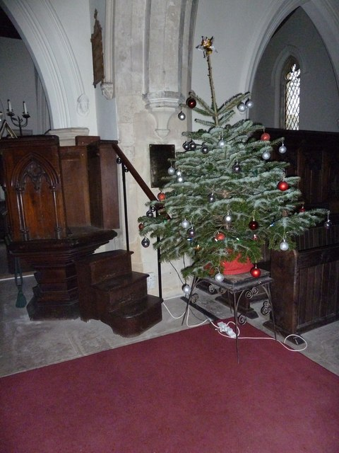 St James's, East Tisted- Christmas displays (h)