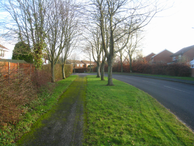 Path along Gracemere Crescent