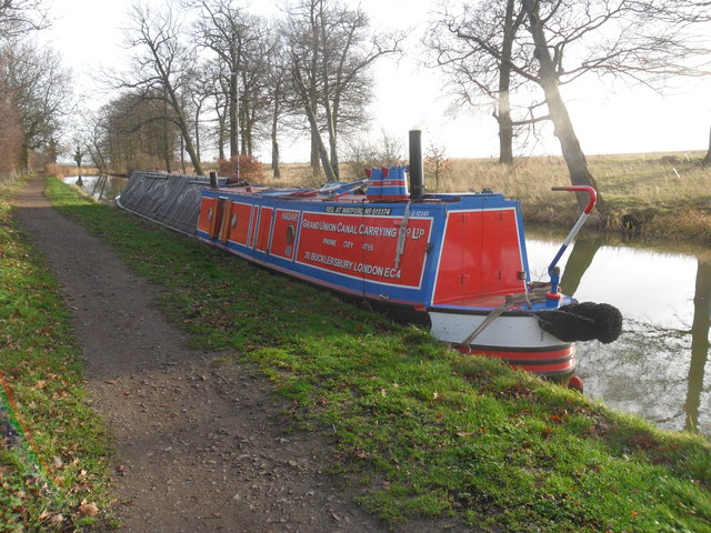 Working Narrow Boat Hadar  moored near Gallow Hill