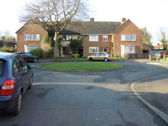 Roundabout at one end of Elms Close