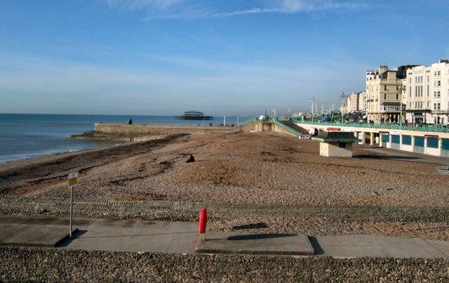 Beach west of Brighton Pier