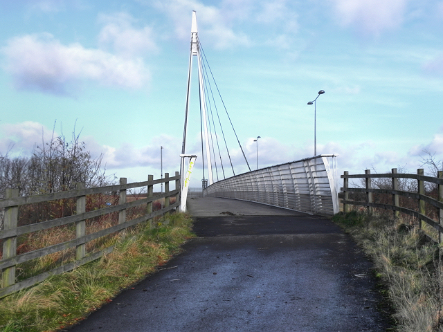Trans-Pennine Trail, Bridge over the M60