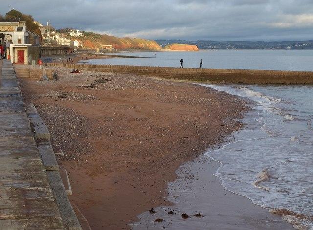 Beach and breakwater at Dawlish