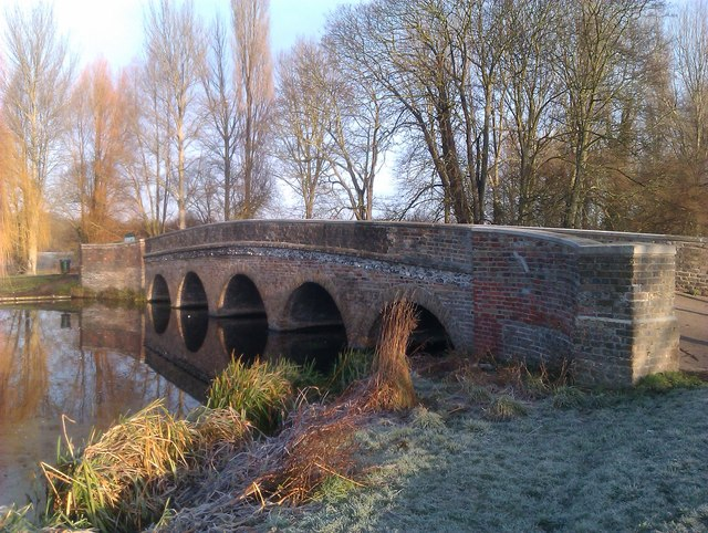 Frost and sunlight at Five Arches