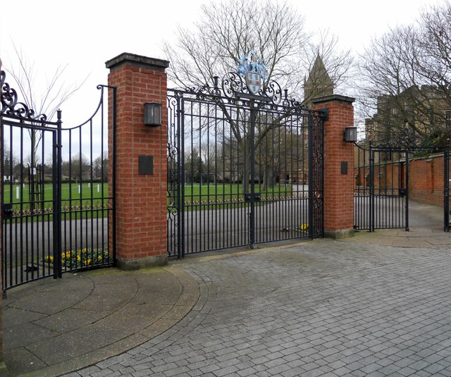 Rugby School-Gates To The Close