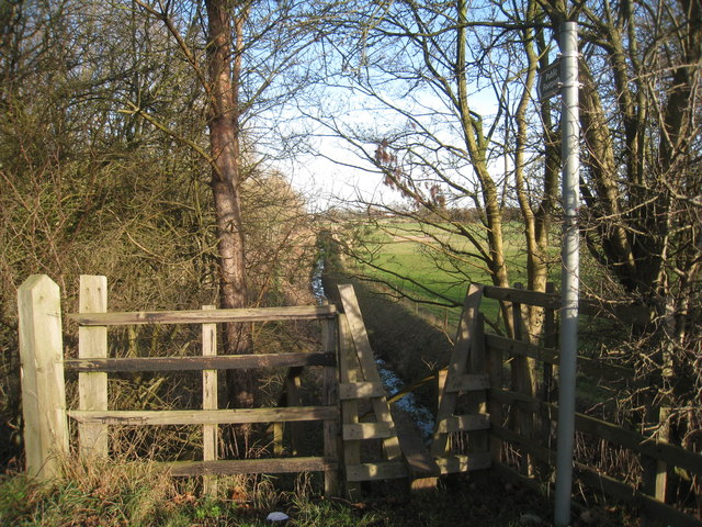 The footpath to Rolleston