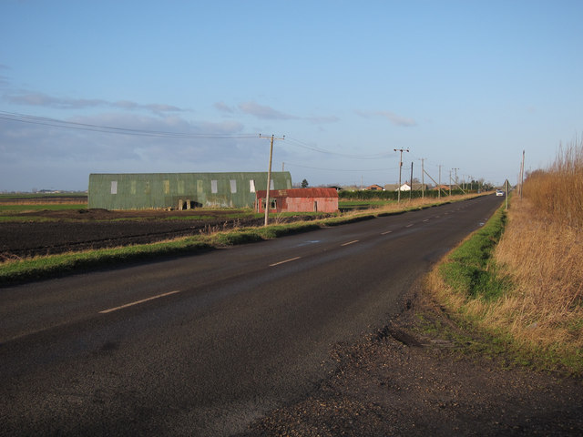 Farm buildings by Southery Road
