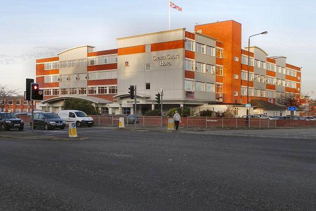Cresta Court Hotel, Altrincham