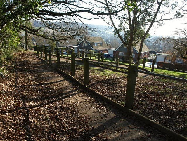 Zig-zag path to Woolbrook Rise